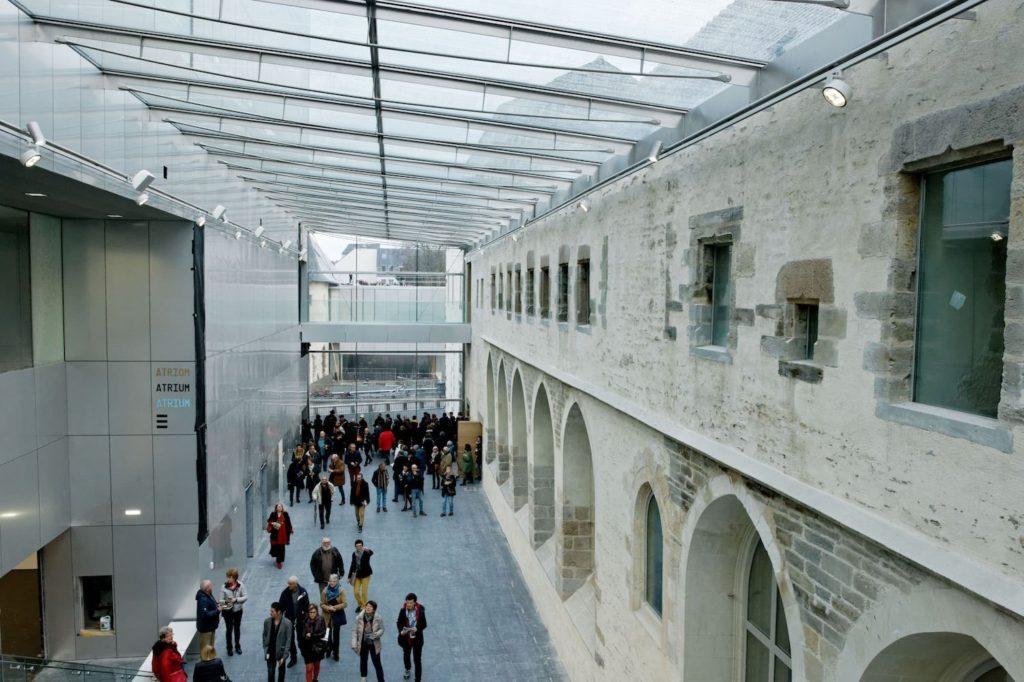 L'atrium du centre des congrès de Rennes