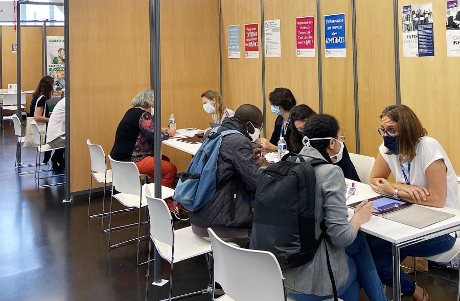 Stand Université Rennes 2 Salon 24h pour l'emploi 2020
